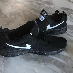 New fake Nike